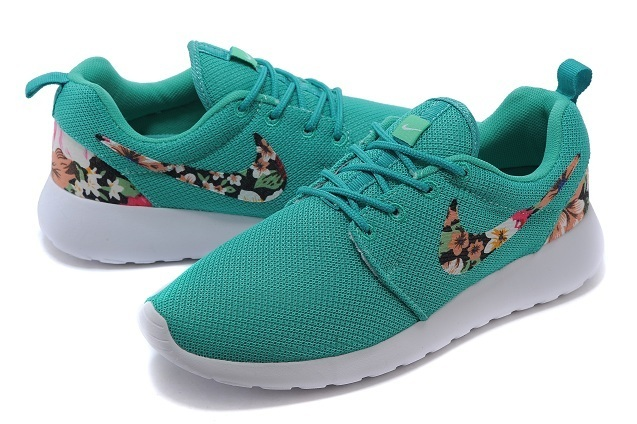 2015 Nike Roshe Run Green White Women Shoes