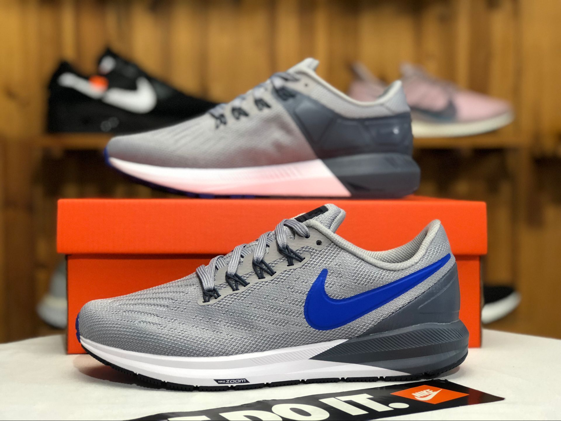 Men Nike Air Zoom Structure 22 Grey Blue White Running Shoes