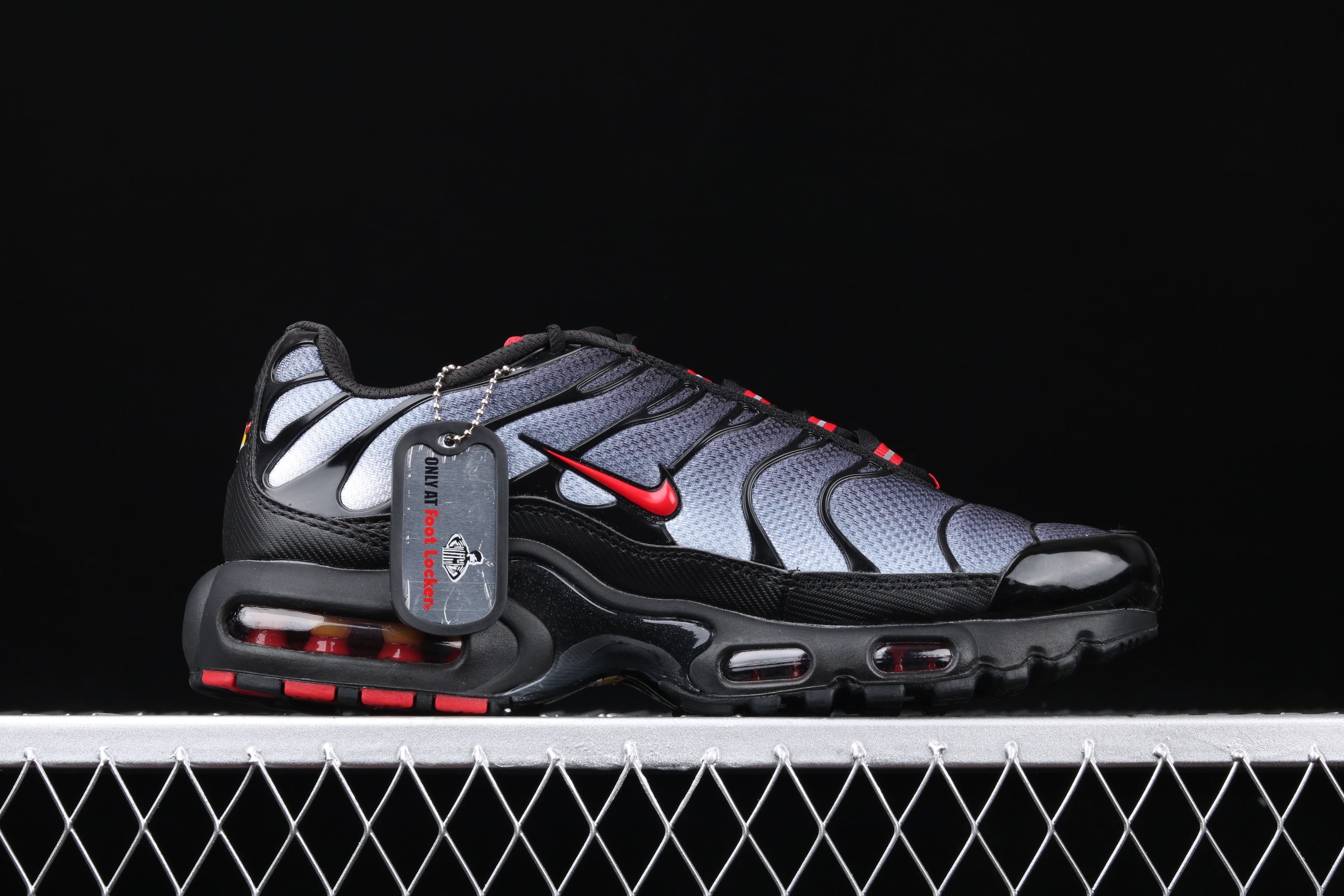 New Men Nike Air Max PLUS TXT Black Grey Red Running Shoes