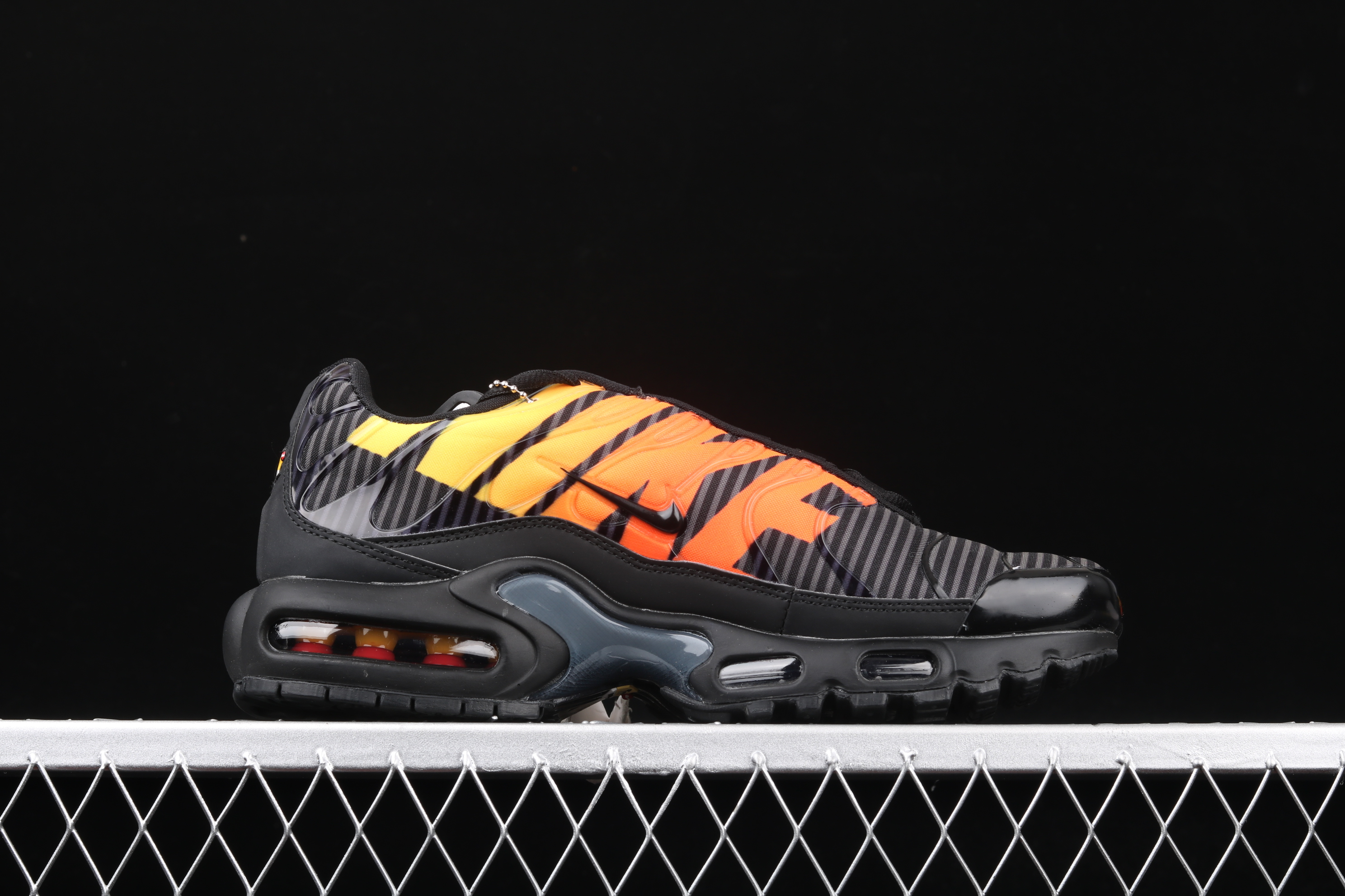 New Men Nike Air Max PLUS TXT Black Orange Running Shoes