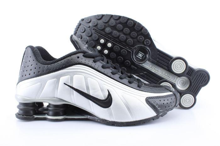 Men's Nike Shox R4 Black Silver Black Running Shoes