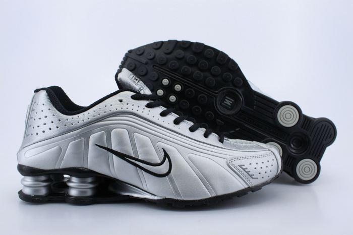 Men's Nike Shox R4 Silver Black Running Shoes