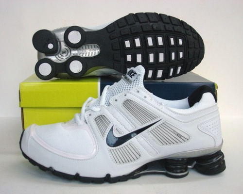 Sportive Nike Shox R5 White Black Running Shoes