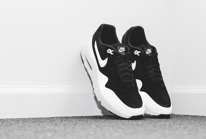 Limited Nike Air Max 1 Ultra Moire Black White Shoes