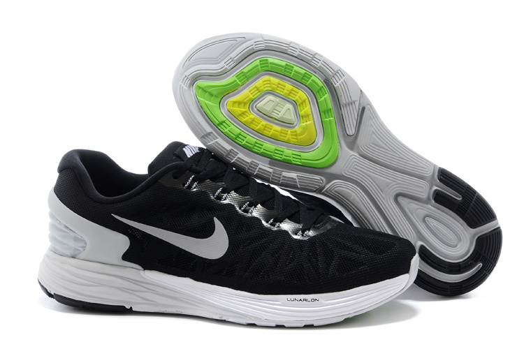 Nike Moofall 6 Black White Running Shoes