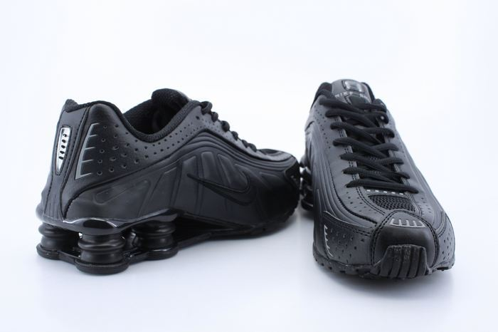 Real Shox R4 Shoes All Black
