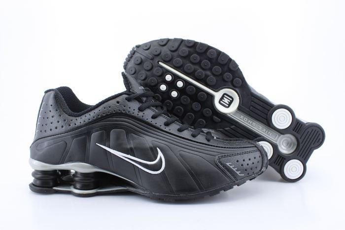 Real Shox R4 Shoes Black