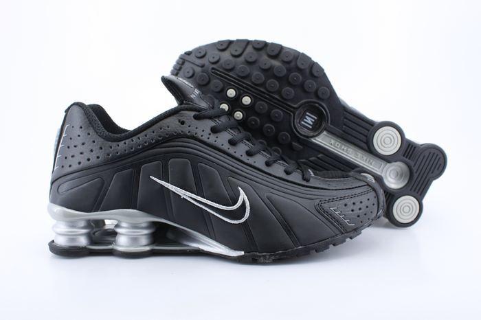 Nike Shox R4 Shoes Black White Air Cushion
