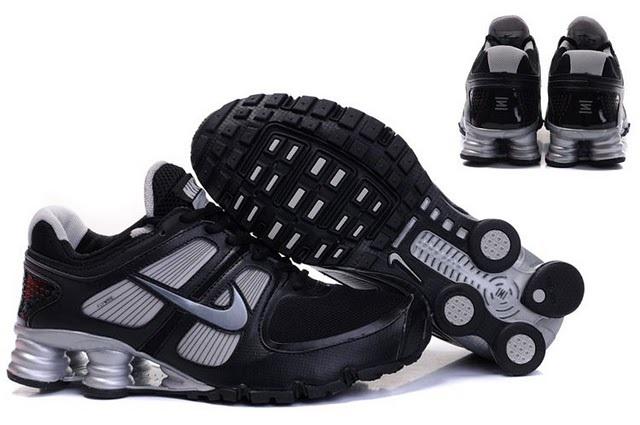 Nike Shox R6 Black Grey Running Shoes