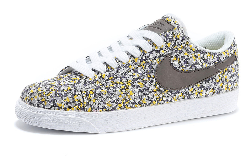 c9f68b7d9994 nike shoes gray with flowers in them