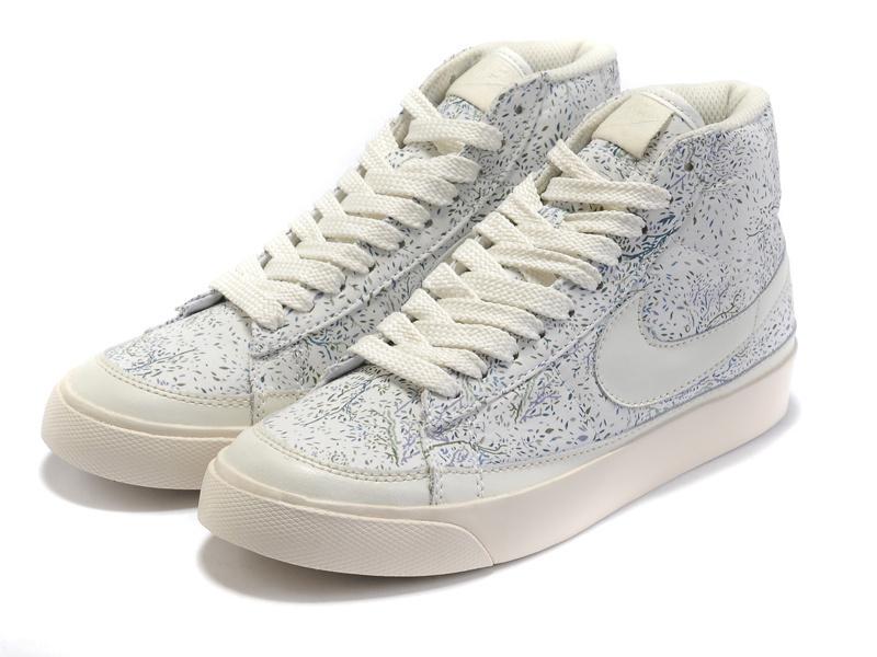 Women Nike Blazer 2 High Cavans White Shoes